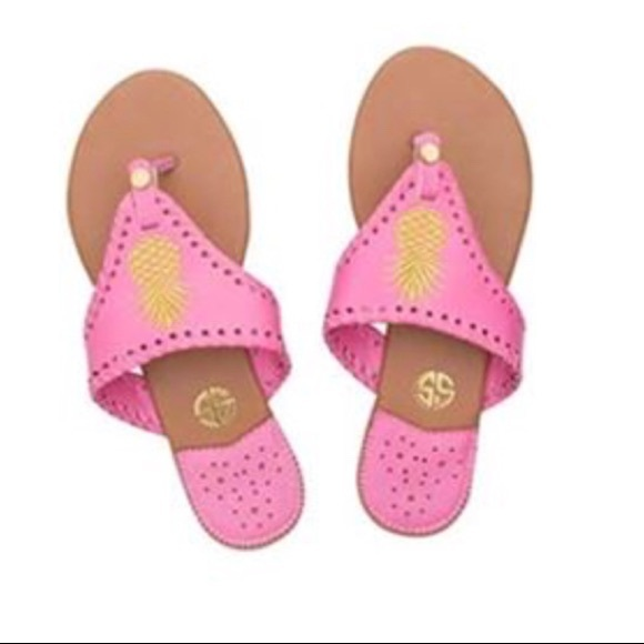 2bff6b464303 Simply Southern Pink Pineapple Flip Flops Size 9